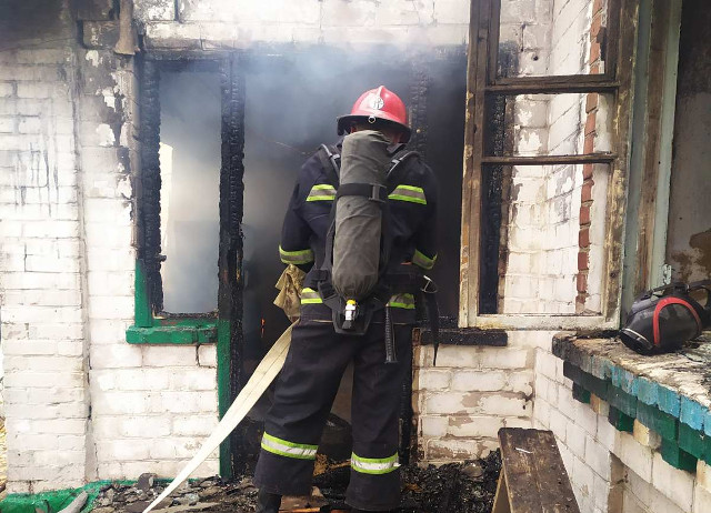 Пожежа забрала на Кіровоградщині життя родини з маленькими дітьми