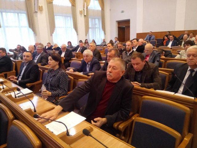До Кіровоградської облради потрапили 7 партій